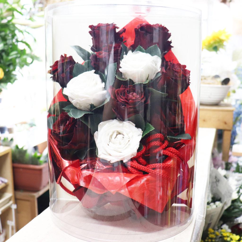 プロポーズの花束のラッピングとリボンを再活用したプリザーブドフラワーの花束
