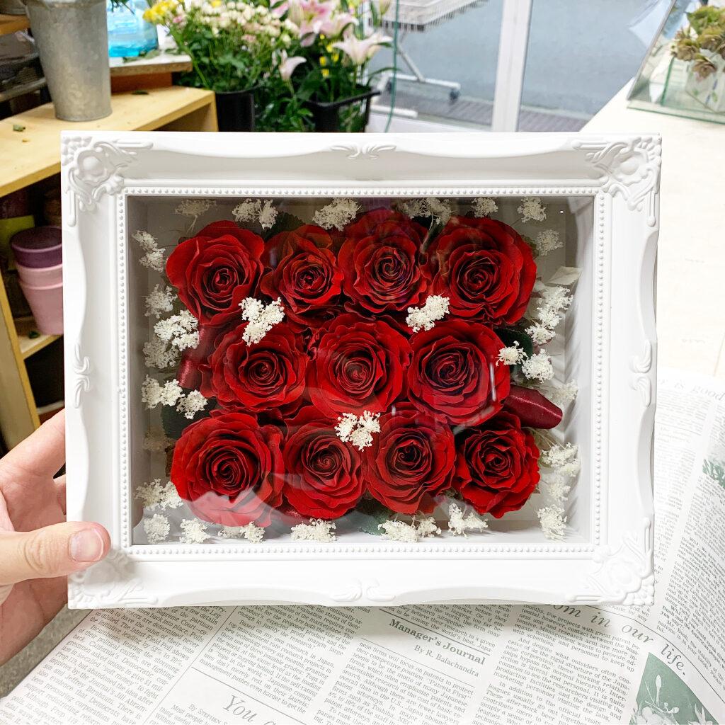ルネサンスフレームの赤薔薇